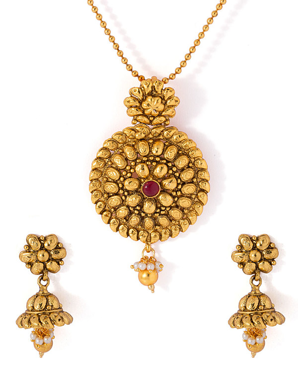 e4619772dc73f Gold Tone Traditional Necklace Set With Red Stone Adornment