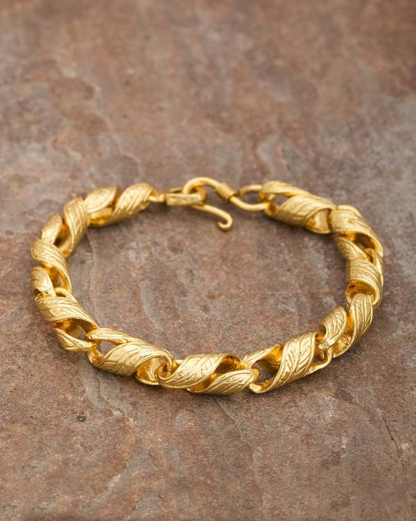 3ae04e96679 Men's Bracelet In Twisted Design In Yellow Gold Plated From Dare By Voylla