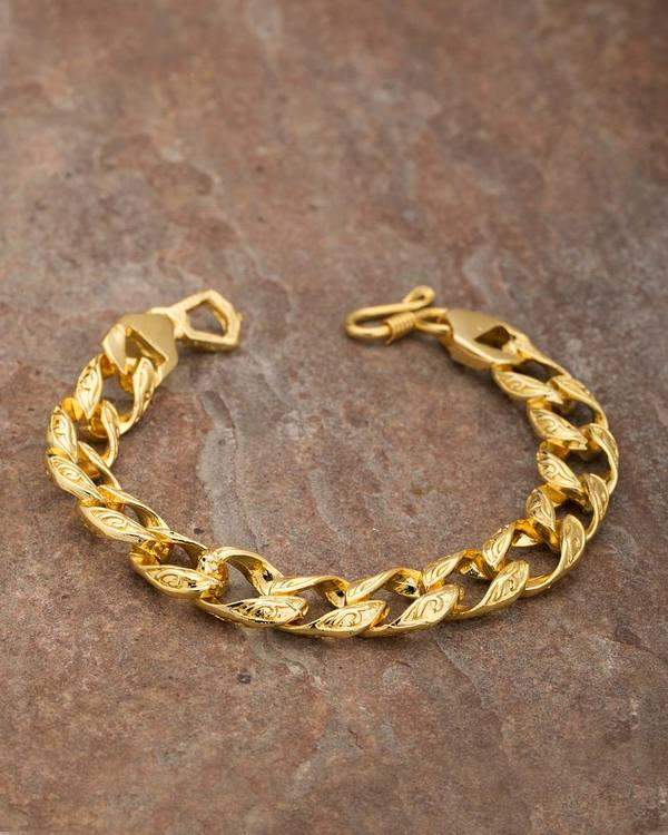 69d50b3d6b24f Bold Link Stylish Bracelet For Men From DARE By Voylla