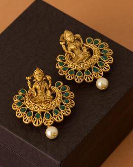 1dc57635be937 Earrings - Buy Designer Pearl, Drop & Dangle Earrings Online